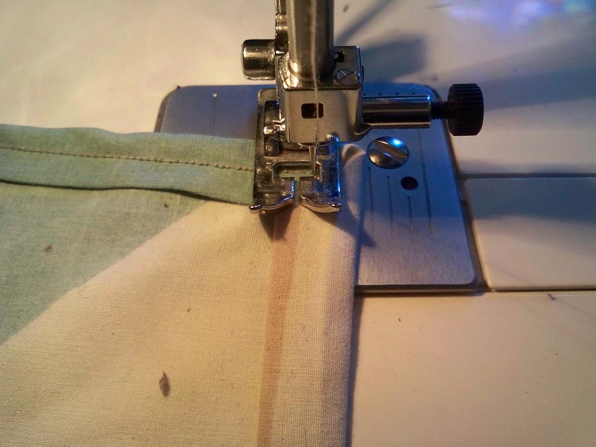 napkin-sew-approaching-corner-2