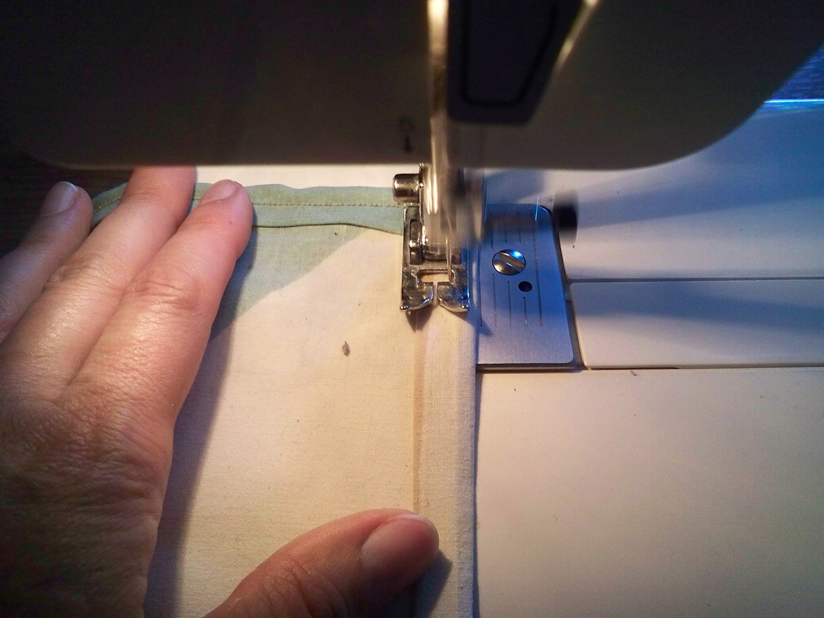 napkin-sew-straight-edge