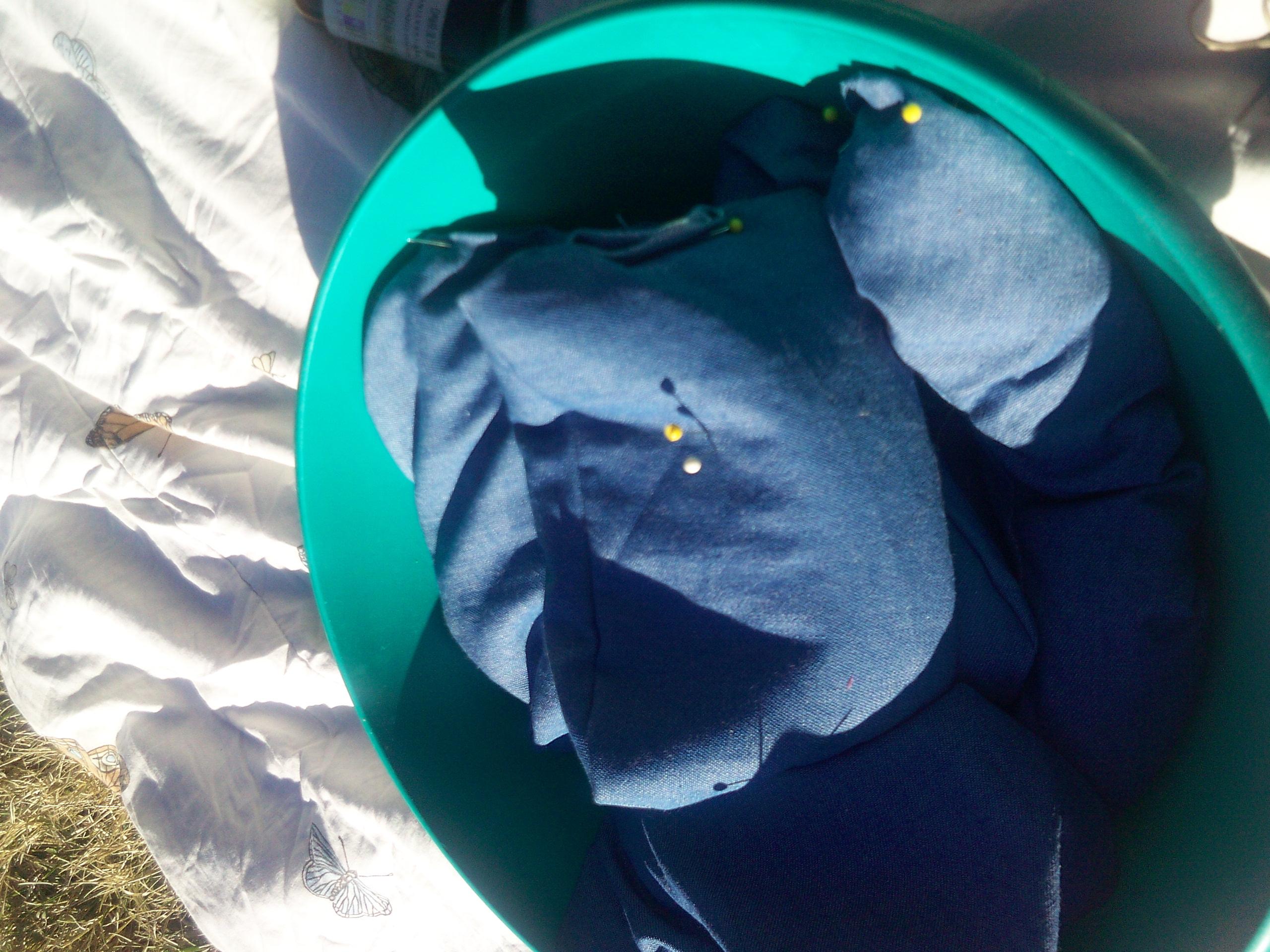 denim-hot-packs-in-green-bowl