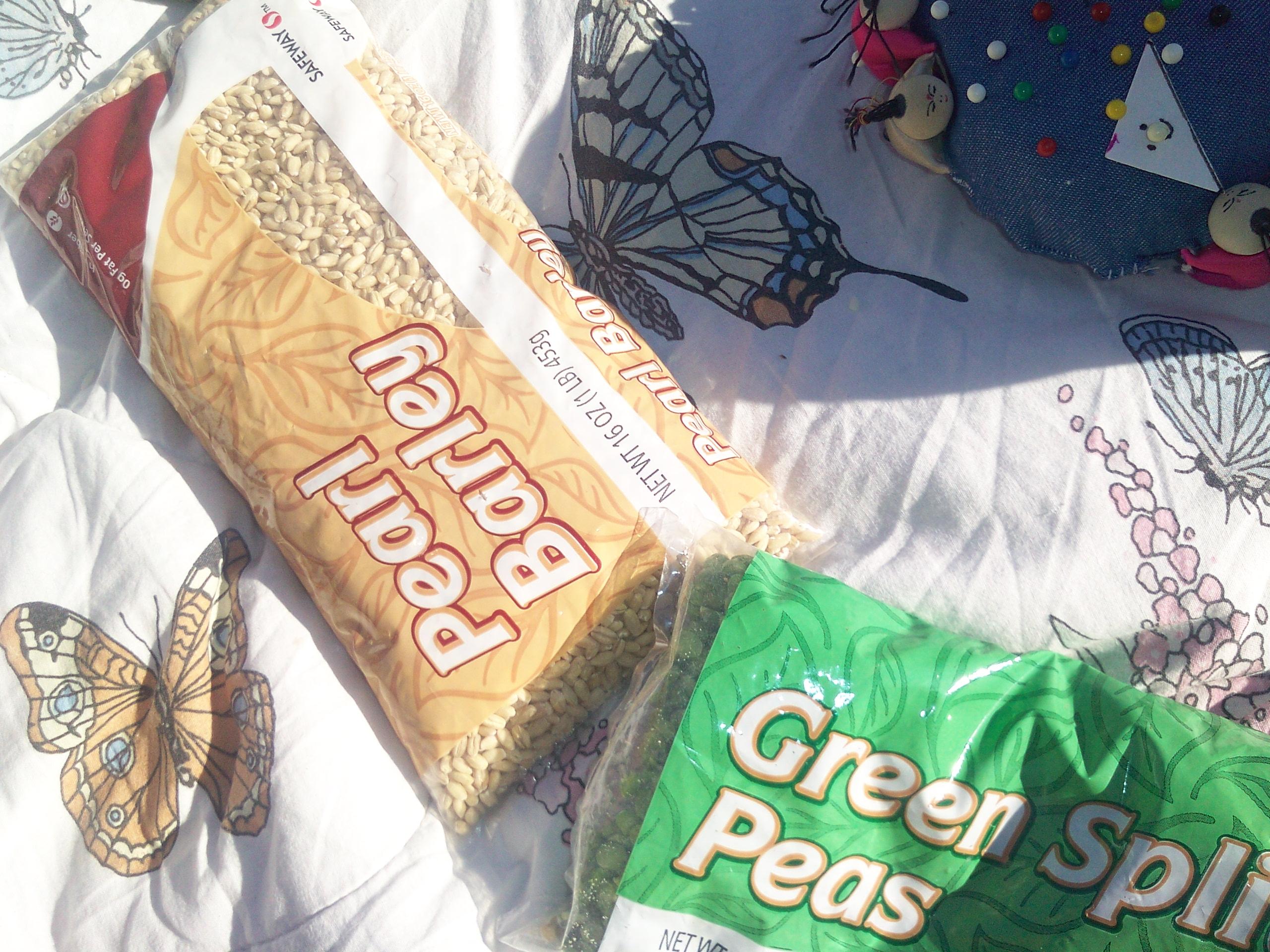 green-split-peas-pearl-barley-bags