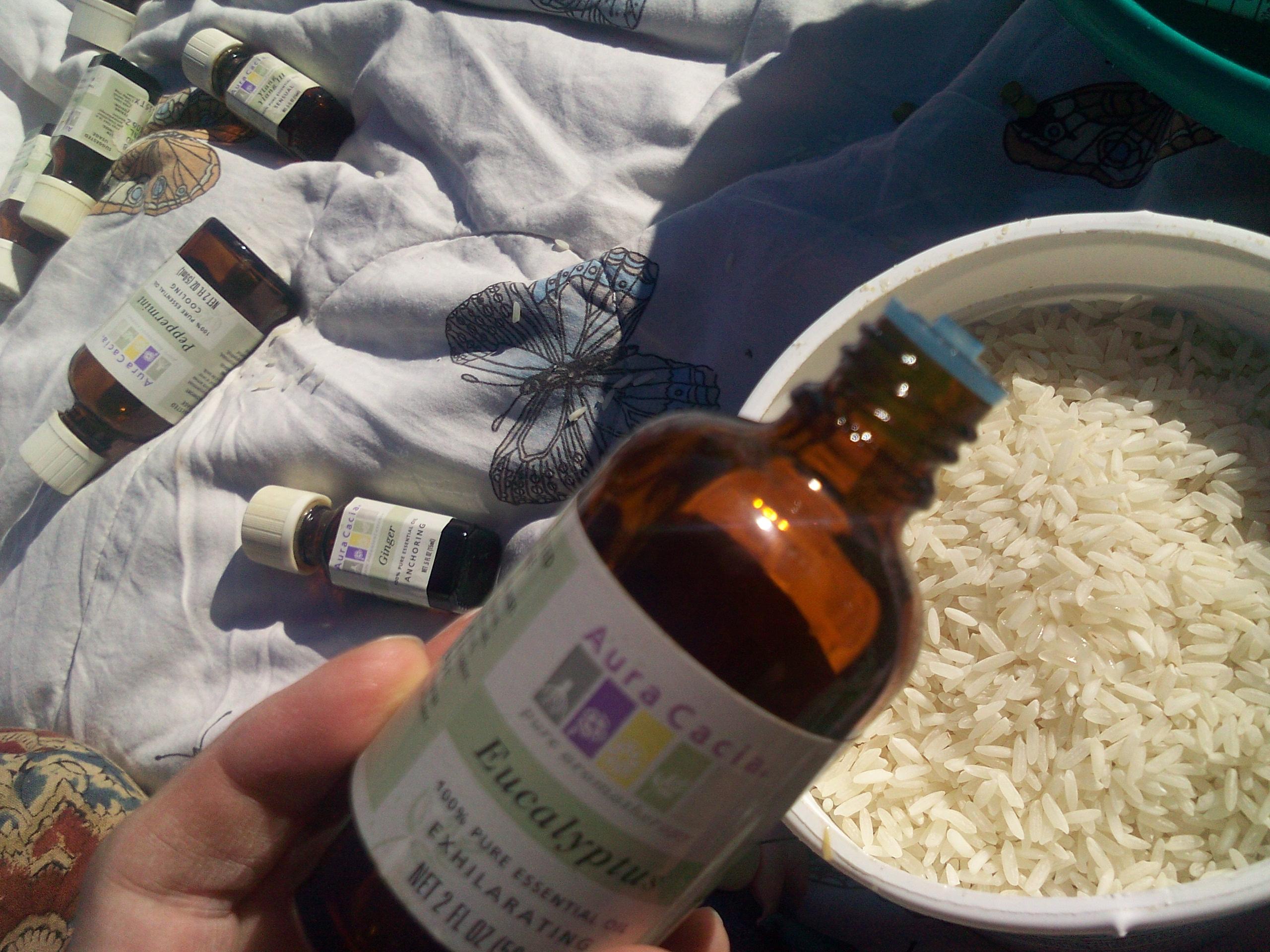 pouring-eucalyptus-into-rice